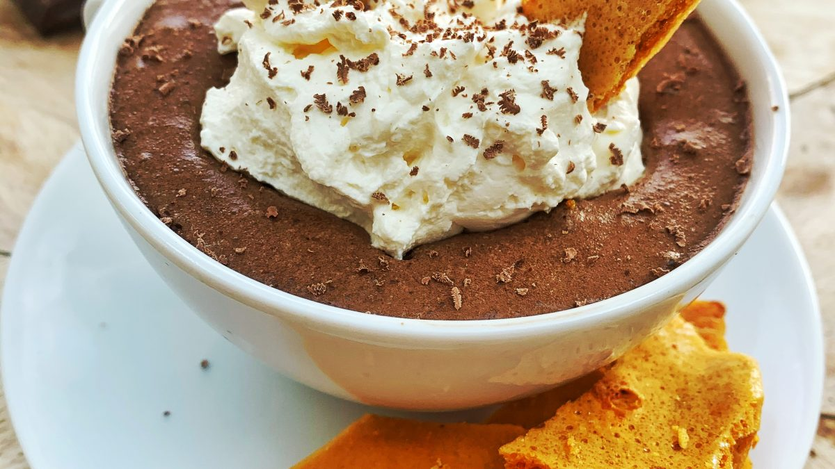 Bubbly Dark Chocolate Mousse